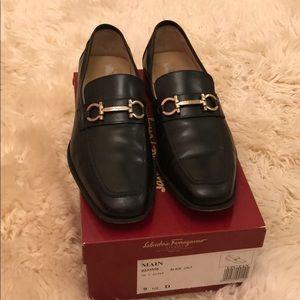 Salvadore Ferragamo Men's Shoes: 8 - 8.5  US size